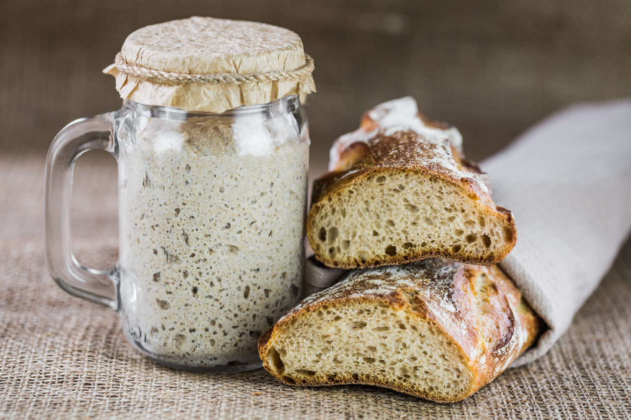 making your own sourdough loaf